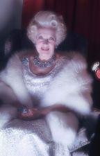 Bárbara Cartland - Breve biografia by Flaviacalaca