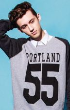 Why would you love me?(Troye Sivan fanfic) by serenitygotswagg