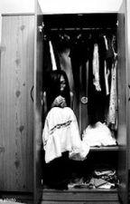 Ang White Lady sa Aking Cabinet by Iambumble29