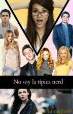 """No soy la típica nerd"" by sadisticsight69"