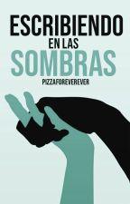 Escribiendo en las sombras by pizzaforeverever