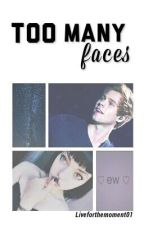 Too many faces.| Luke Hemmings by Liveforthemoment01