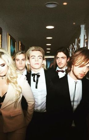 R5 dating interview