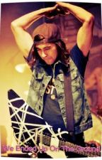 We Ended Up On The Ground [ A Vic Fuentes Fan Fiction] by WonderlessVicturr