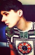 I fell in love with a ghost, but it's Dan Howell (Danisnotonfire x reader) by atizcp