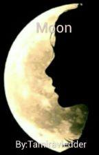 Moon by Tamiravledder