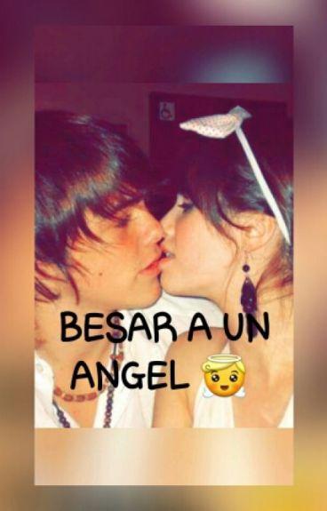 BESAR A UN ANGEL