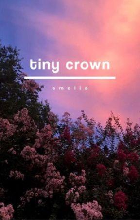 tiny crown. by -ameliaxx