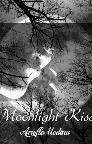 Moonlight Kiss (A Vampire Pregnancy)