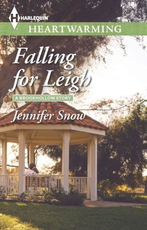 Falling for Leigh (A Brookhollow Story #3) by JenniferSnow5