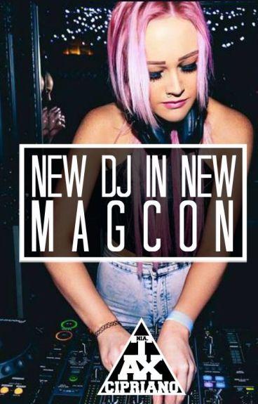 New DJ, in New MAGCON. (old magcon- omahasquad)