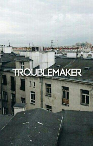 Trouble Maker ➼ Newtmas AU {1}