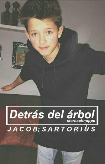 Detrás del árbol ➳ Jacob Sartorius [Sin Editar]
