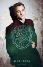 Slytherin Hearts- Niemand weiß, wer du wirklich bist. (Draco Malfoy FF) by Maddys_World