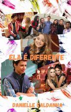 Ela é diferente by DanielleSaldanha