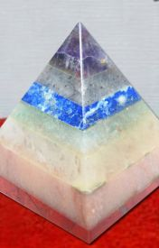 Uses of Crystal Pyramids by divyamantramail