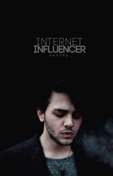 - ̗̀internet influencer; blog ̖́-
