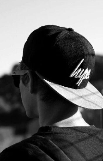 chico con gorra