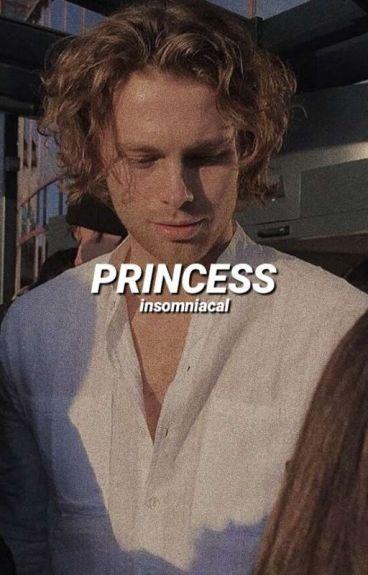 princess ➳ luke hemmings [italian].