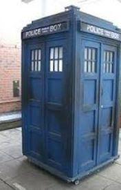 It's a TARDIS! by DollopheadedMerlin