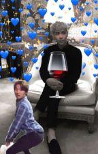 T.O.P, krzesło i wino. by bamboszejudasza