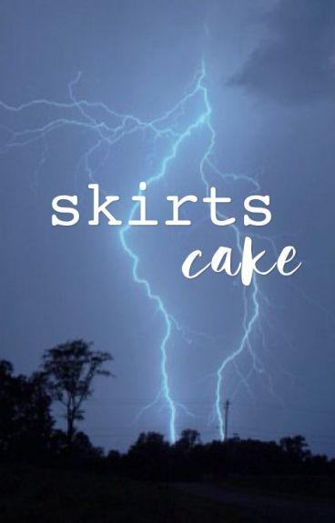 skirts; cake hoodings [pl]