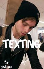 texting // Luke Hemmings by giuliiaax