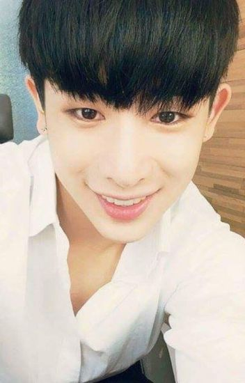 -University passion- (Wonho y tu) +18