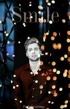 Smile~ Luke Hemmings        #Wattys2016 by Perfektcionista