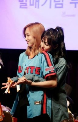 Đọc truyện [MiNayeon & DahMo] Once is a Coincidence, Twice is Destiny | Trans