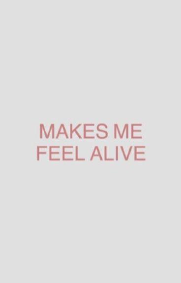 MAKES ME FEEL ALIVE → regulus black