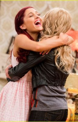 Sam and Cat Lesbian
