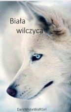 Biała wilczyca by DarkWhiteWolfGirl