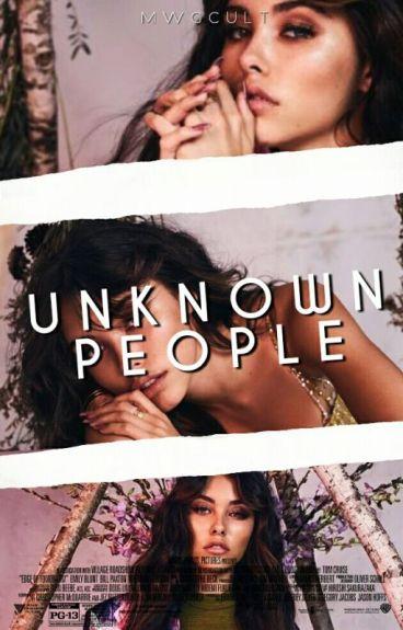 unknown people + jack gilinsky [Texting]