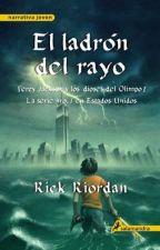 Leyendo Percy Jackson I by ZhuYuan