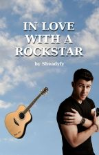 In love with a Rockstar -Pausierend- by Sheadyfy