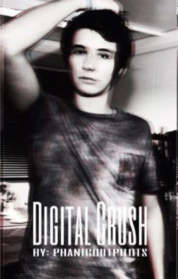 digital crush ♡ d.howell x reader