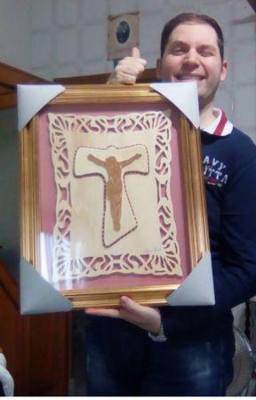 Una croce ... in traforo! - Breve storia di un ragazzo autistico by RobertaVisone