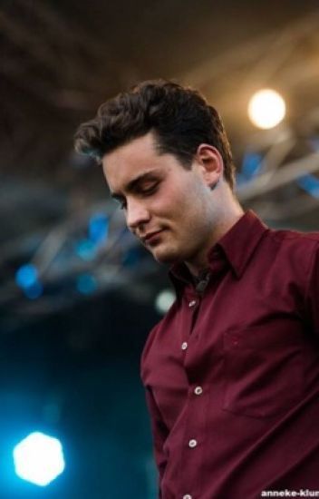 /|TAKE IT OFF, DOUWE!|\Douwe Bob FanFictie :)