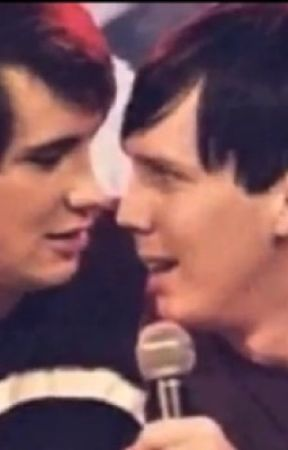 who is dan???? phil¿¿ by itstimetostopcroikey