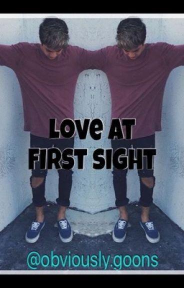 Love at first sight (Jovani Jara Fanfict)