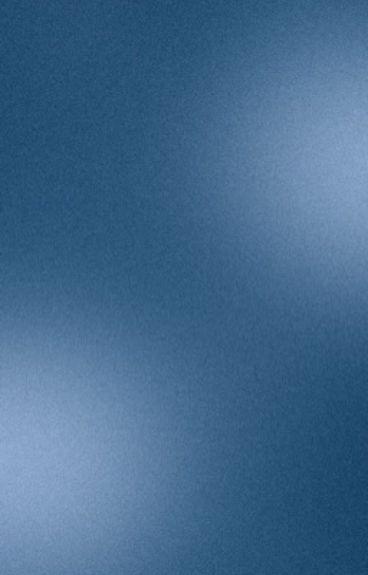 Девушка у моря ночью фото