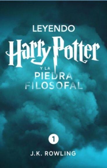 Leyendo Harry Potter y la Piedra Filosofal.
