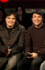 Never Coming Home (frerard oneshot) by monroevilleghost