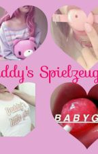 Daddy's Spielzeug  by Littlesweetevilgirl