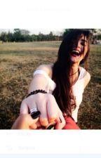 Ela é tudo para mim... (Romance Lésbico) by CatyJones00