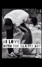 In love with the skater boy by ReadNotSleep