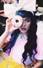 Running into you. (Melanie Martinez x Reader) by LifeasWeFangirl