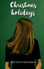 Christmas holidays ; Luke Hemmings by bestemmiam