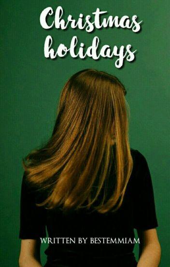 Christmas holidays ; Luke Hemmings